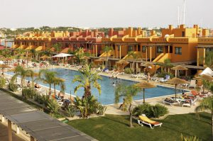 Zwembad van het Tivoli Marina Resort